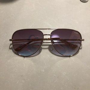Rose gold quay sunglasses